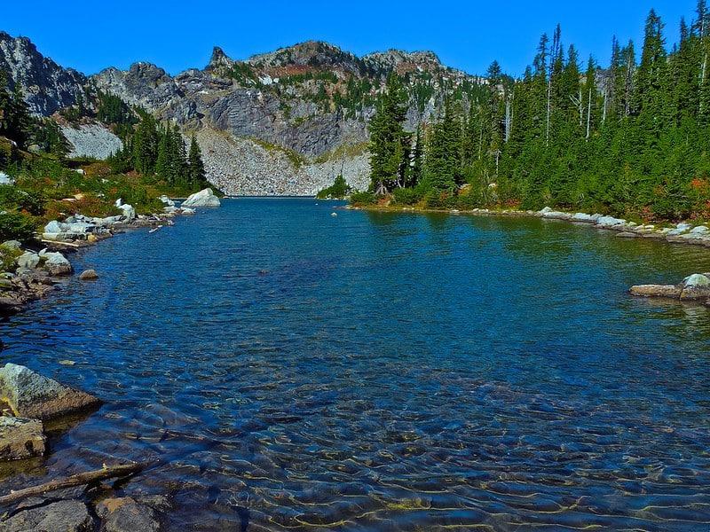 Hiking around Minotaur Lake Trail Hikes in Washington State