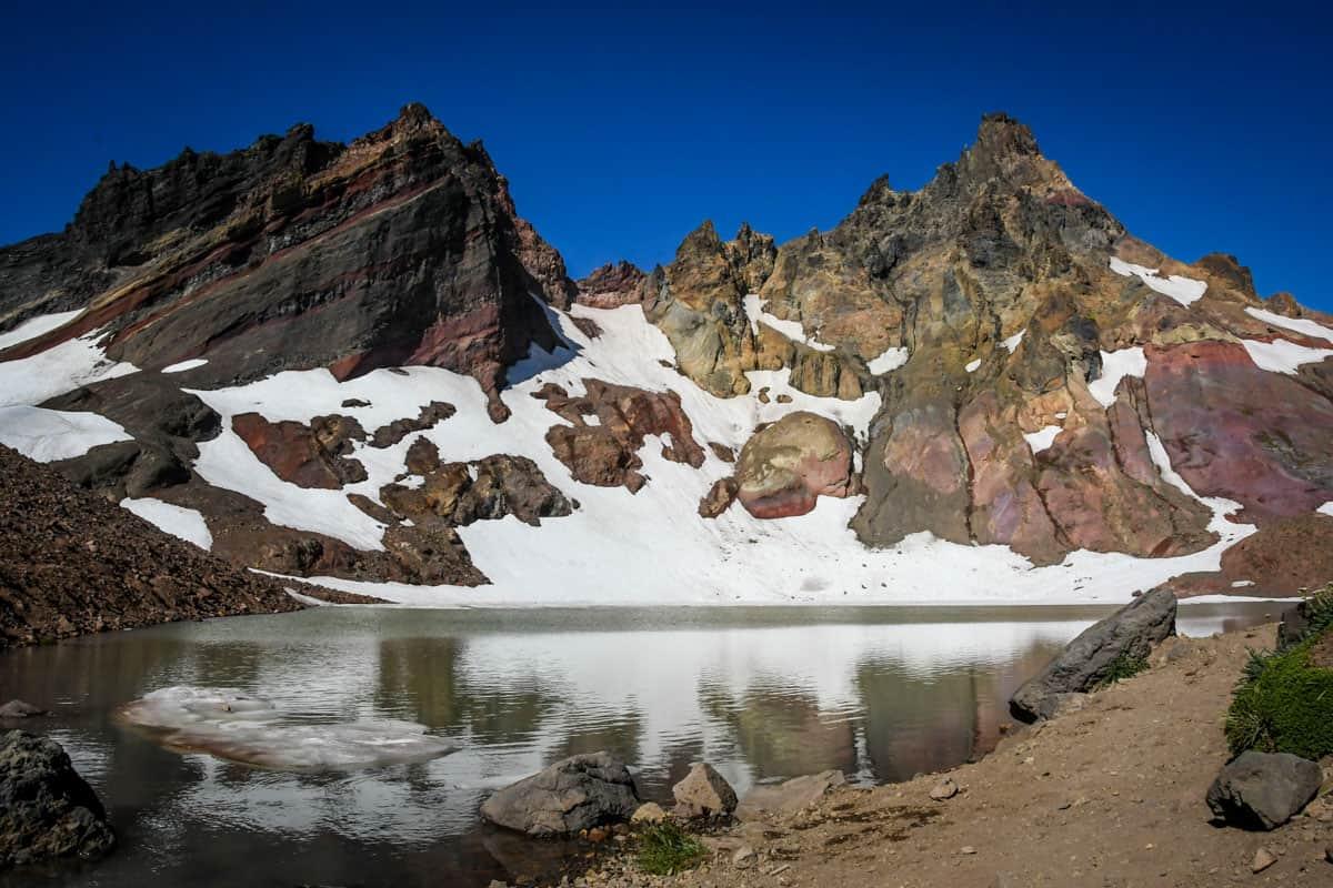 No Name Lake on Broken Top Hike