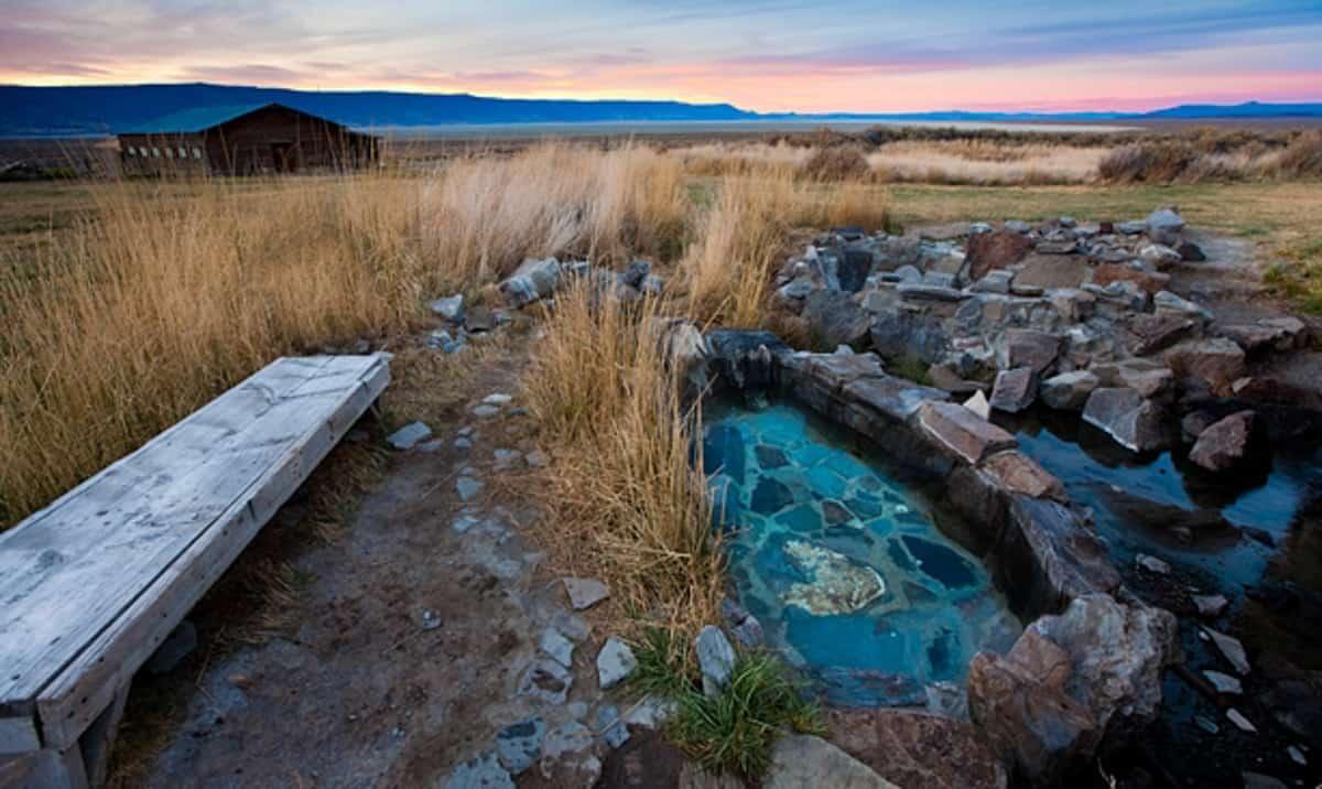 Hot Springs in Oregon: Summer Lake Hot Springs