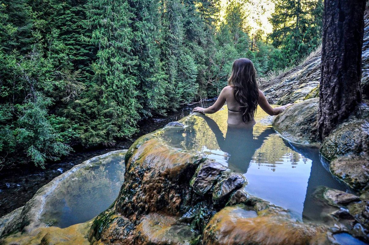 Hot Springs in Oregon: Umpqua Hot Springs