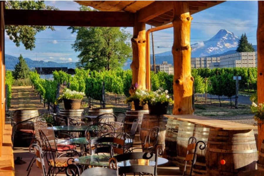 Hood River Wineries: Hood Crest