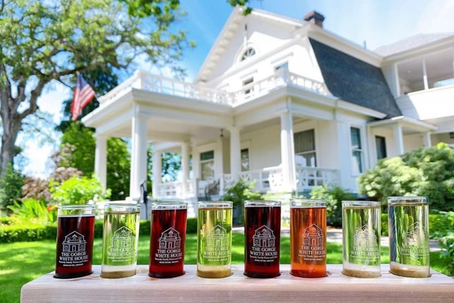 Hood River Wineries: The Gorge White House